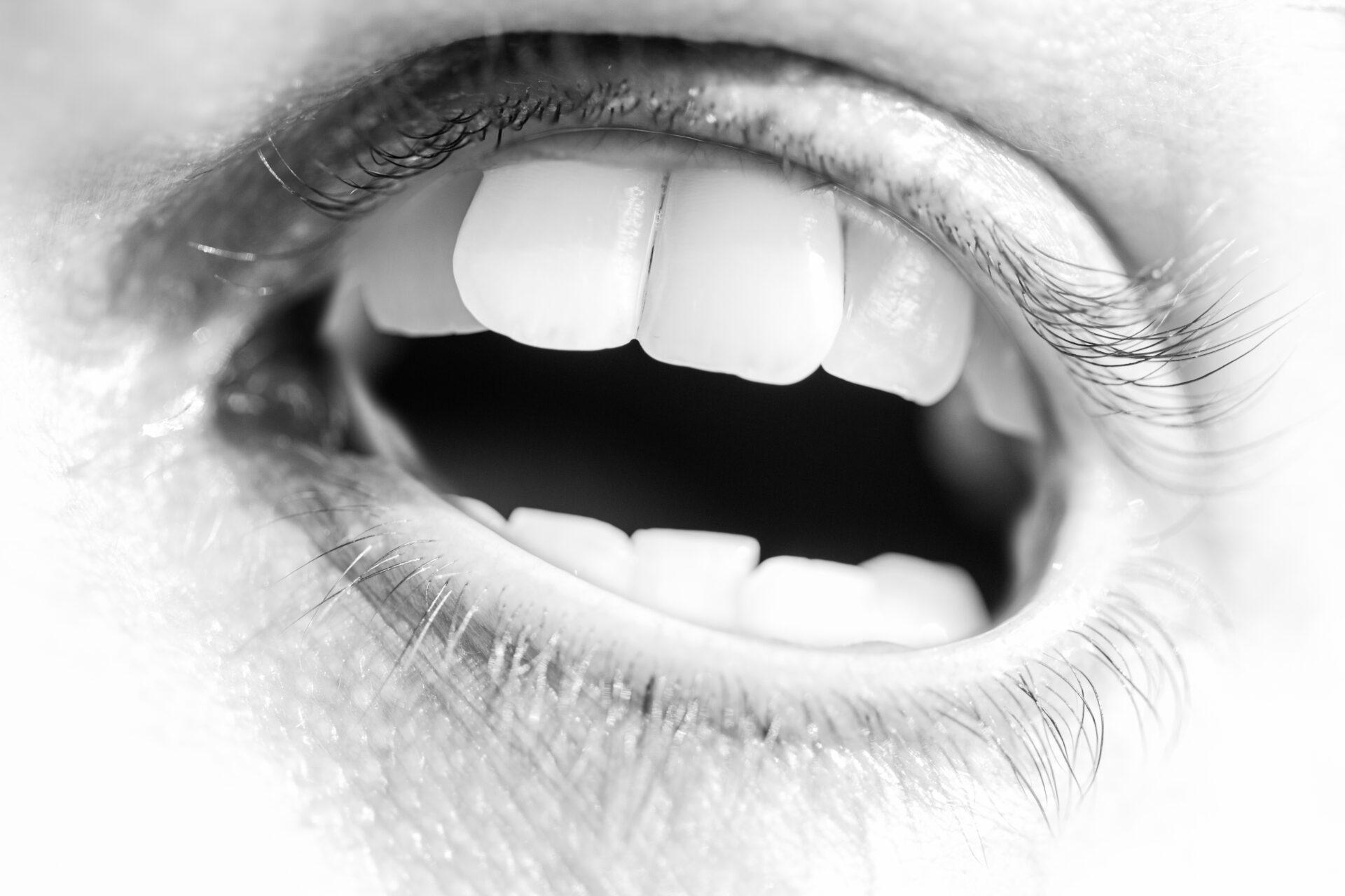 Teeth eye
